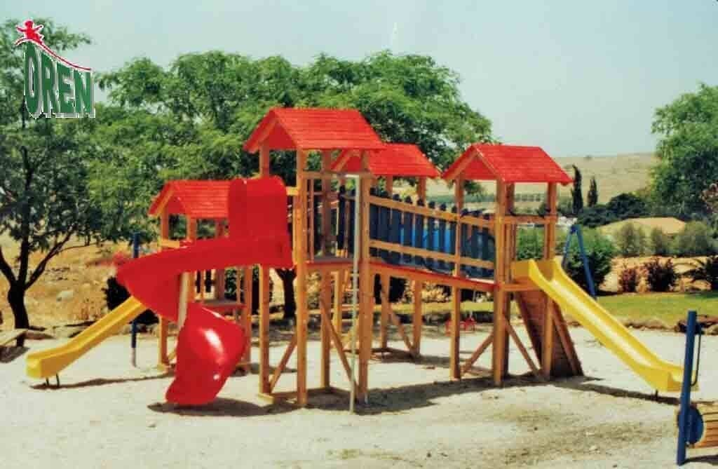 Large play facility with space activities - 1110